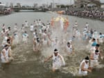 56神輿の水かけ-ホ風